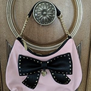 Cute Betsey Johnson Pink & Black purse with Bow 🎀